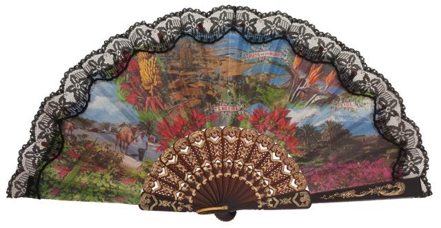 Abanico plástico colección souvenir 151NEG