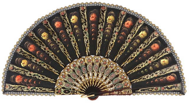 Hand painted plastic fan 485NEG